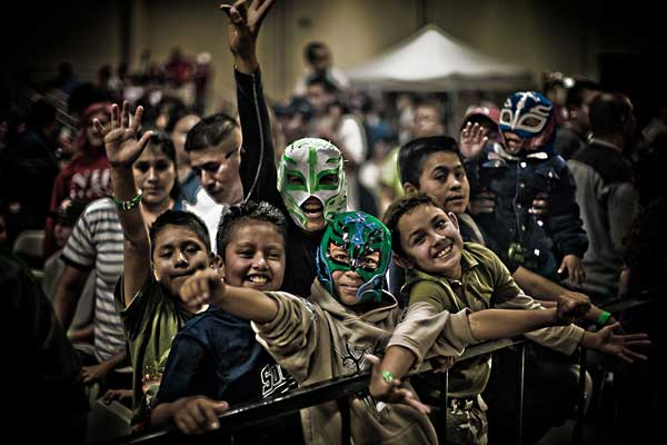crowd_santa_maria_lucha_maina